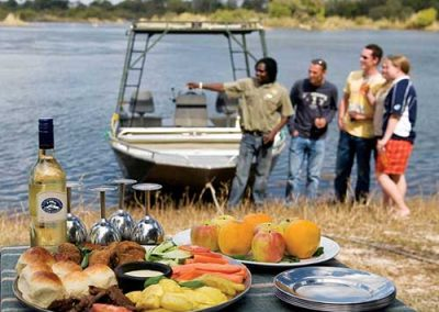 zambia-river-safari-breakfast