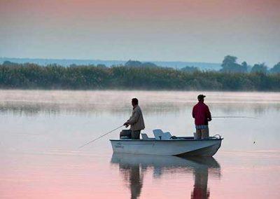 victoria-falls-fishing-boat