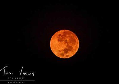 victoria-falls-lunar-moon