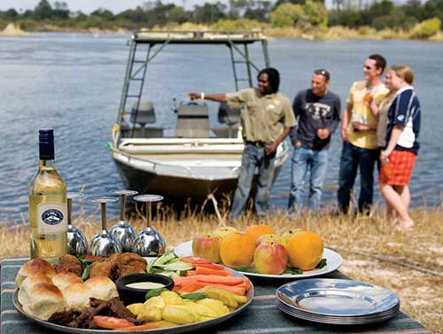 zambia-river-safari-breakfast